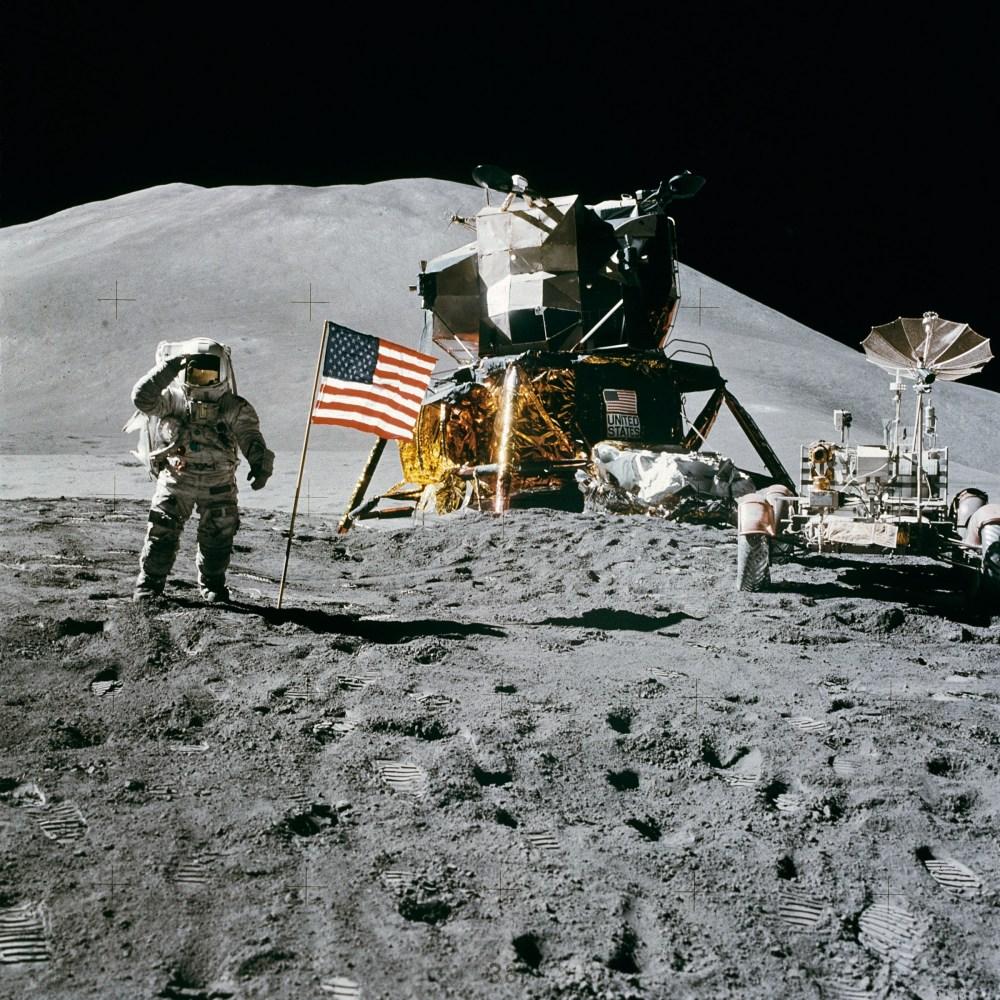 500 great moon landing