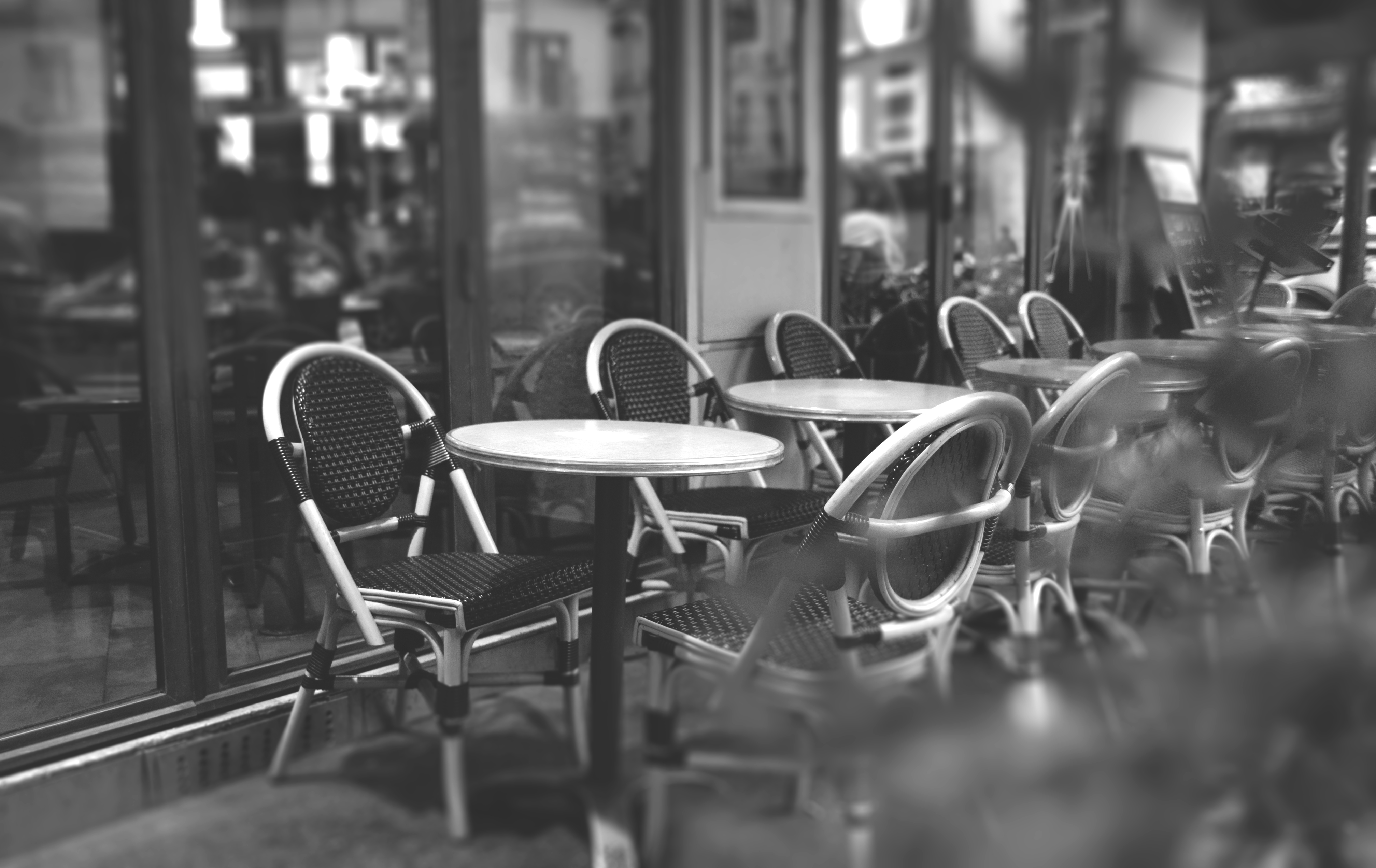 Free Fall Wallpaper Apps People Sitting Outside Caffetteria During Daytime 183 Free