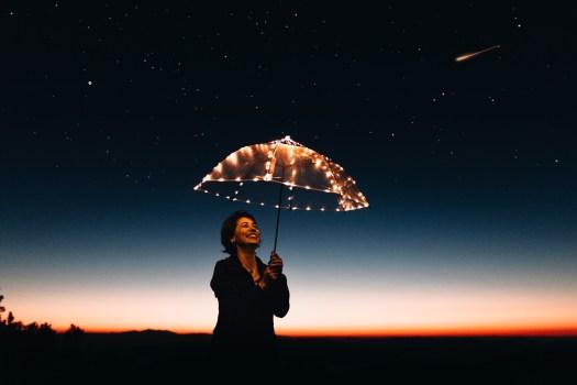 Foto de archivo libre de luz, amanecer, cielo, persona