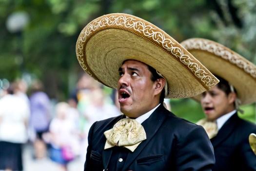 traditionql singer, sombrero