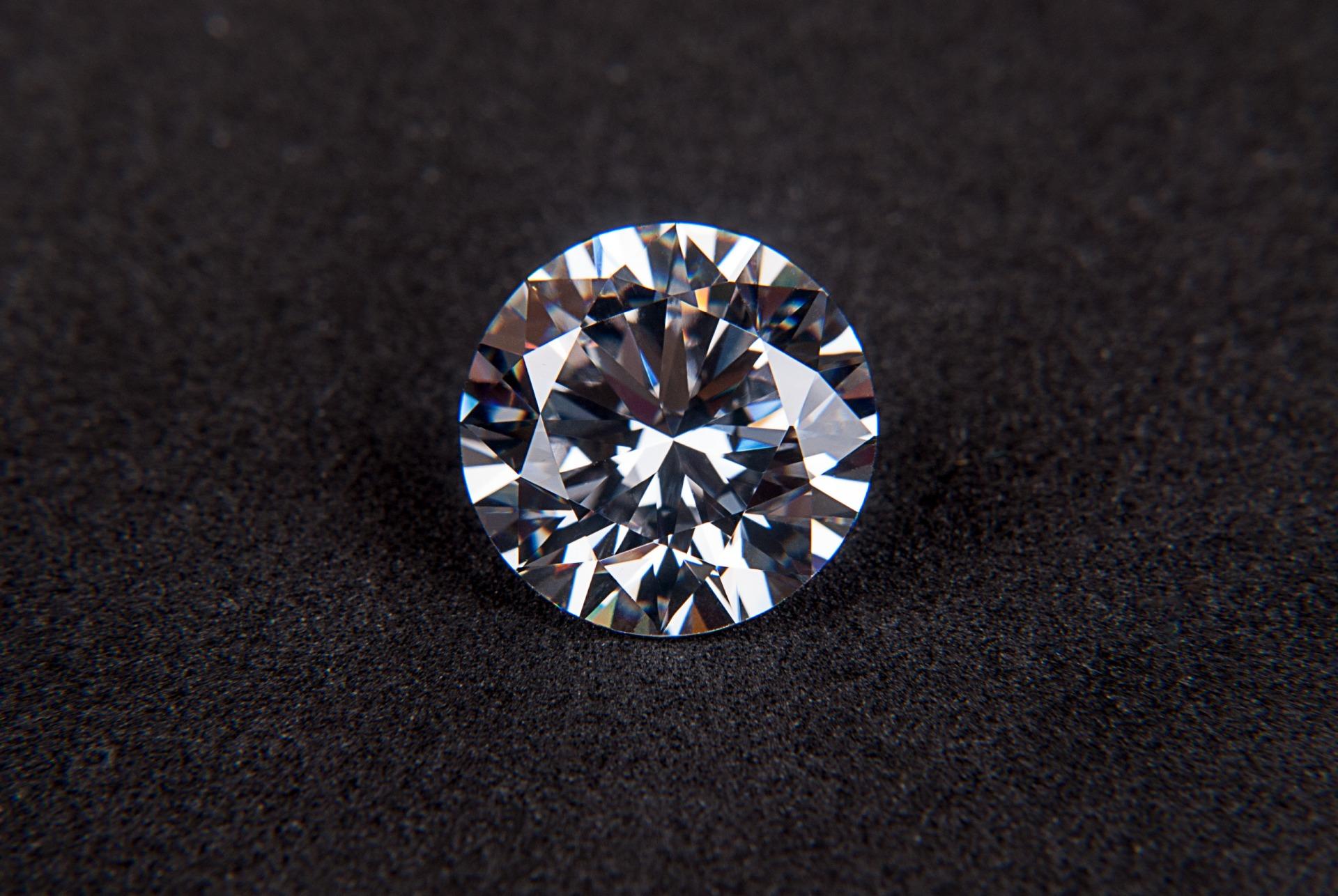 diamond free stock photo