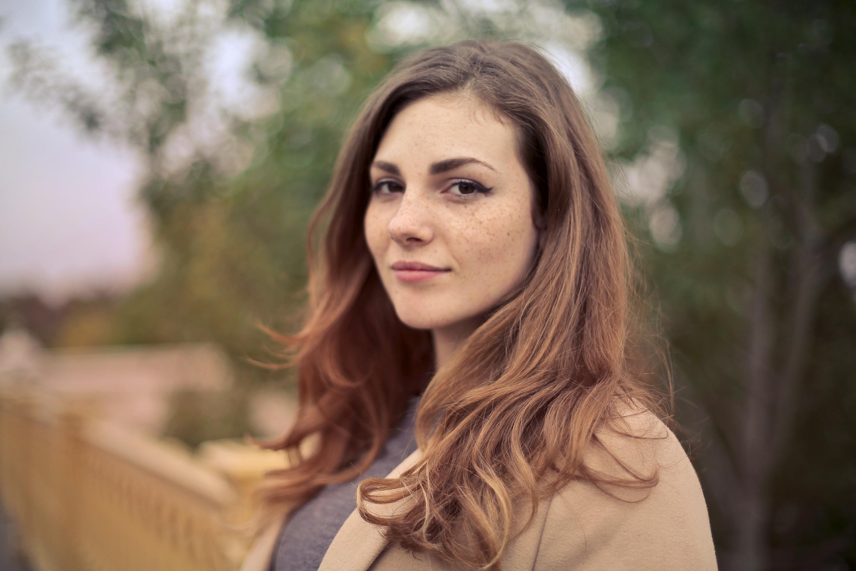 closeup photo of woman
