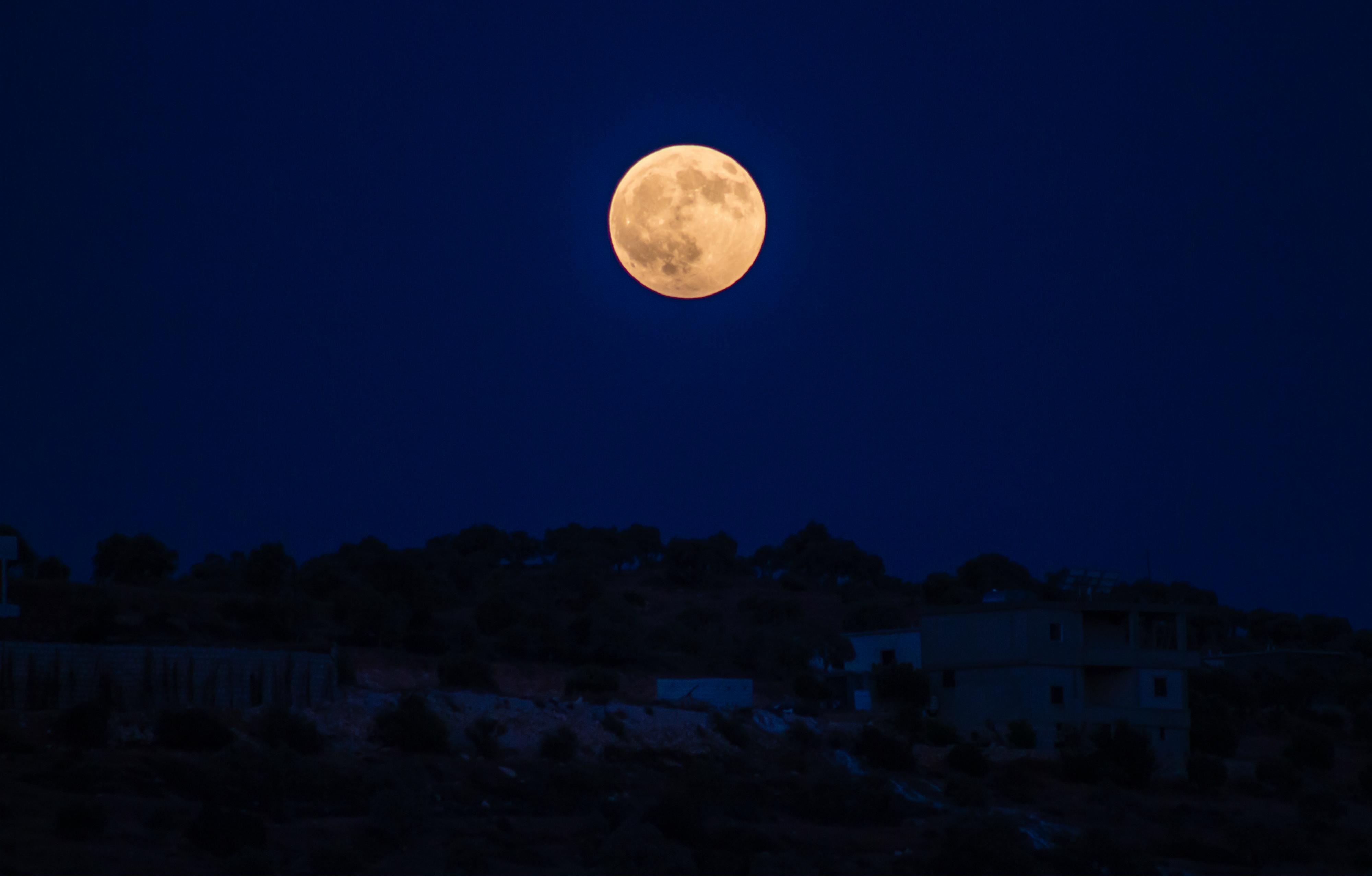 full moon free stock