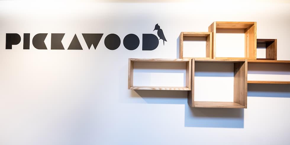 cubes muraux sur mesure en bois massif