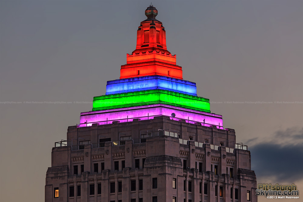 Pittsburgh Gulf Tower crown with LED Lighting