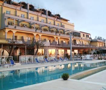 Art Hotel Gran Paradiso a Sorrento  Confronta i prezzi