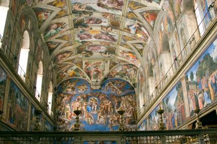 Foto Interno della Cappella Sistina a Roma  425x282
