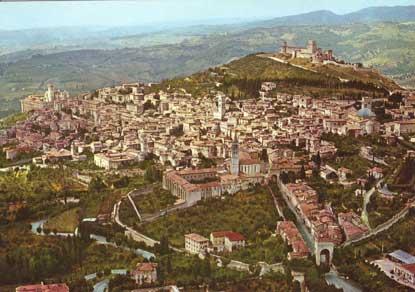 Foto Panorama dallaereo a Assisi  415x292  Autore Redazione