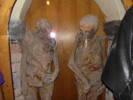 Foto mummia di urbania a Urbania 550x412 Autore