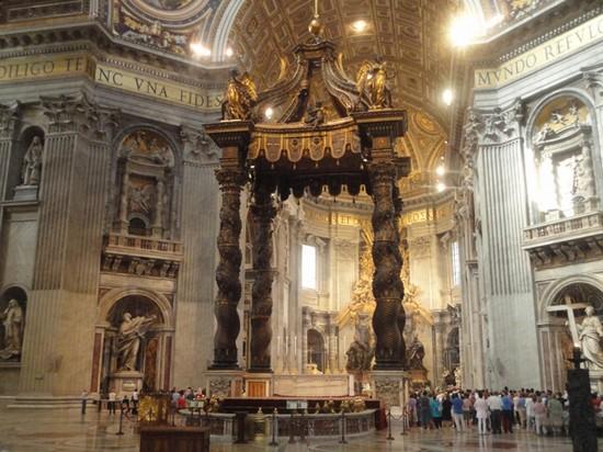 Foto Basilica di San Pietro a Roma  550x412  Autore Marco Giuliano 6 di 12