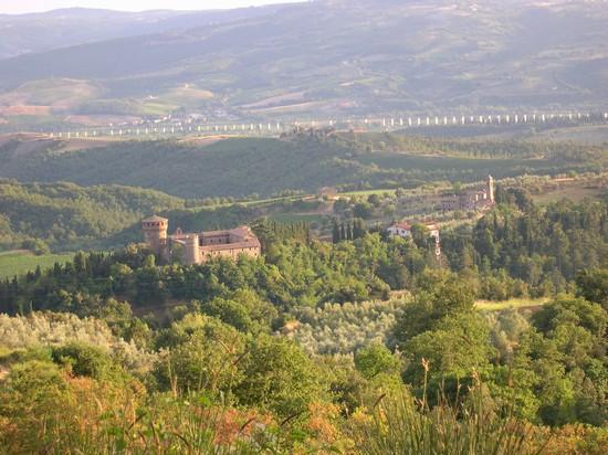 Foto Ficulle  Castello della Sala a Ficulle  550x412  Autore Guido