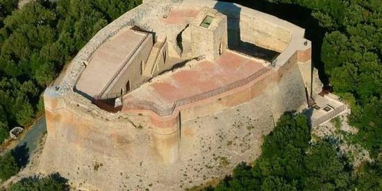 Volterra Rocca Sillana ed il Medioevo  Itinerari e escursioni a Volterra