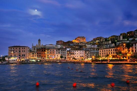 Foto porto santo stefano  centro storico a Porto Santo
