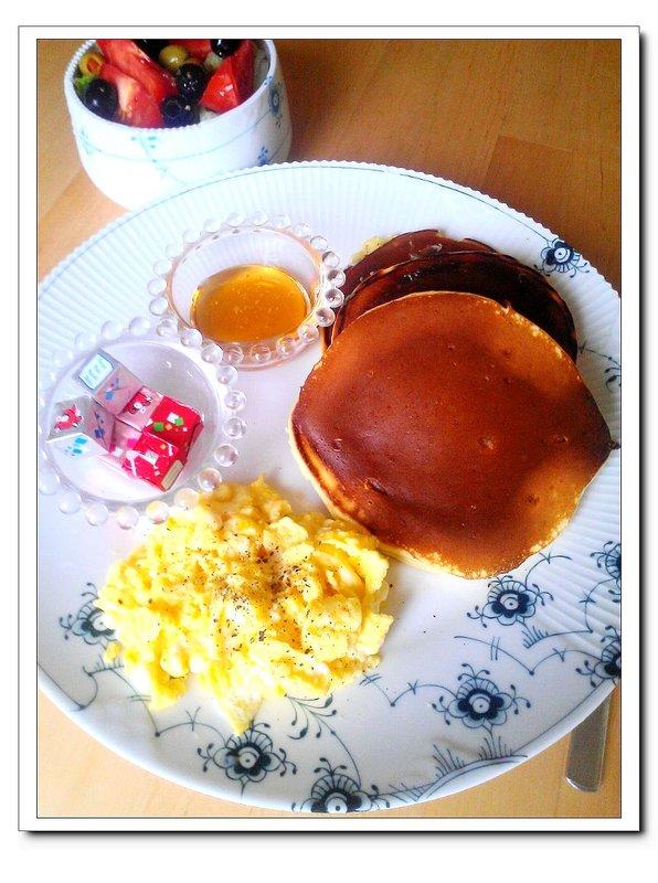 小R 分享 最近做的早餐和便當**肝腸臘腸煲仔飯,碳烤起司雞肉堡,蜂蜜鬆餅套餐** http://i0.wp.com/images.plurk.com ...