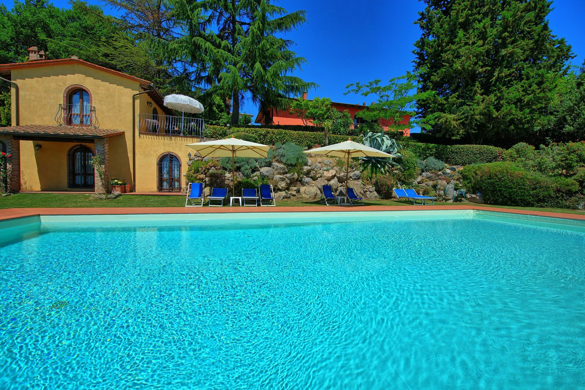 Holiday apartment for rent in Chianti  Casa Rossa