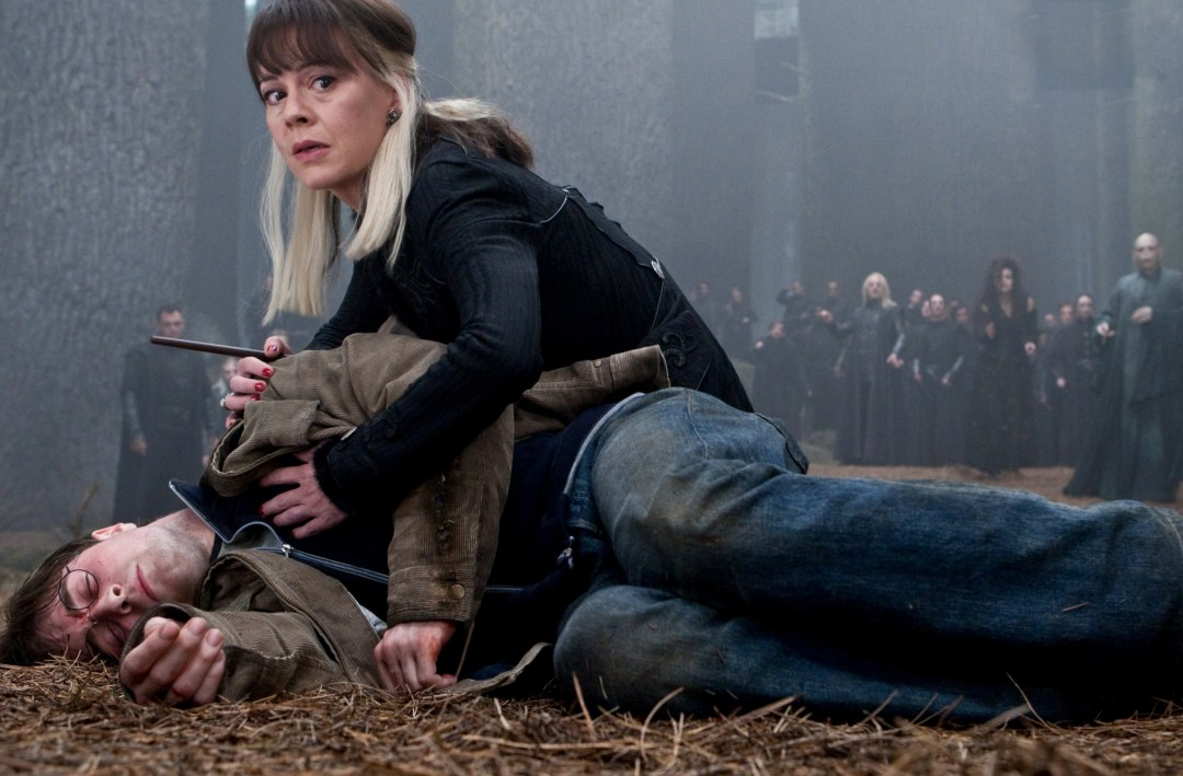 Narcissa checking if Harry is dead