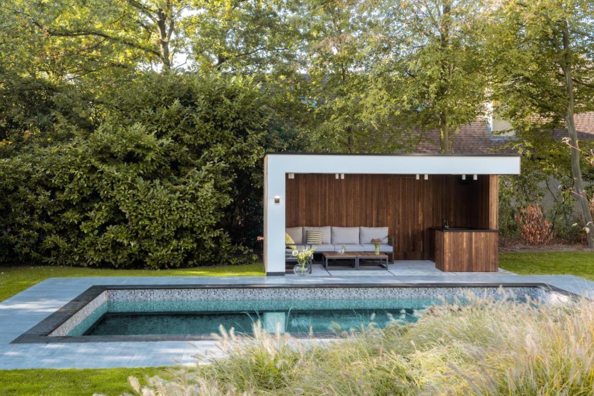 abri de piscine ou pool house