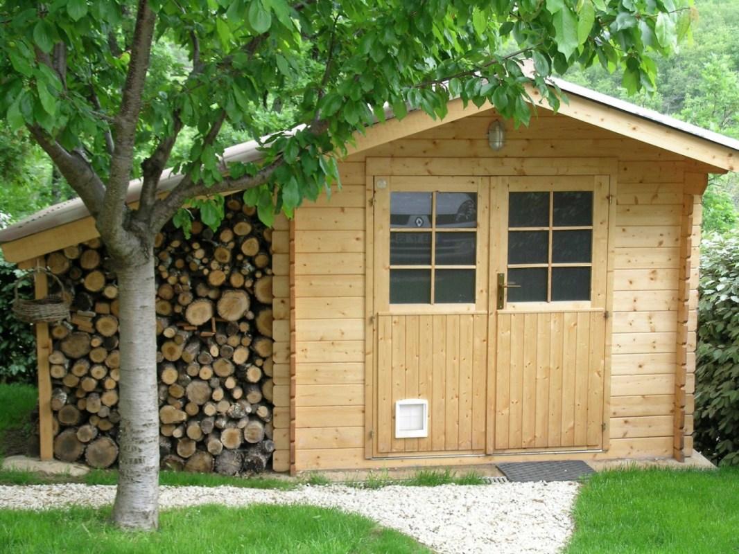 l abri de jardin en bois chaleureux