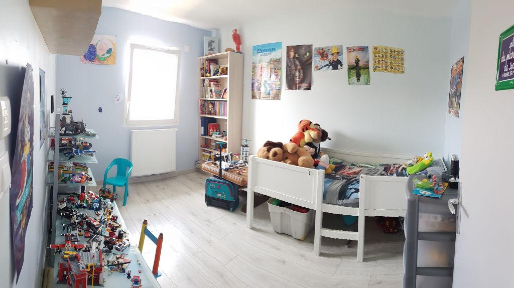 Vente Maison 82 M ECOLE VALENTIN 25480