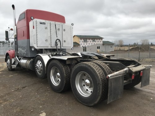 small resolution of  2007 kenworth t800 tri axle sleeper truck tractor