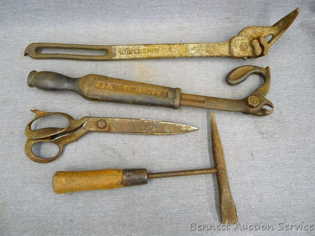 Antique Greenlee Nail Puller Excelsior Barbed Wire Fence Stretcher Welders Chipper Hammer And A Estate Personal Property Personal Property Auctions Online Proxibid