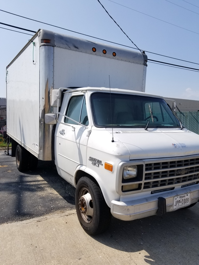 hight resolution of box truck 1992 chevy van 30 inner city box with lift gate