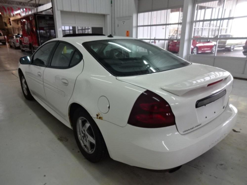medium resolution of  2004 pontiac grand prix sedan 4 door gt2 3 8 2wd automatic