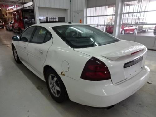small resolution of  2004 pontiac grand prix sedan 4 door gt2 3 8 2wd automatic
