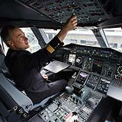https://i0.wp.com/images.publicradio.org/content/2007/11/21/20071121_airbus_pilot_73665861_18.jpg