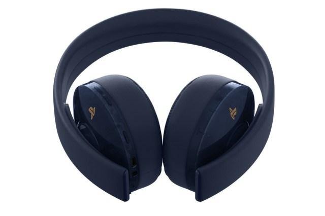 PS4 Pro 500 Million PlayStation 4 Gold Headphones 4