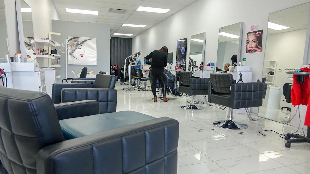 Pnurie de maindoeuvre dans les salons de coiffure  ICIRadioCanadaca