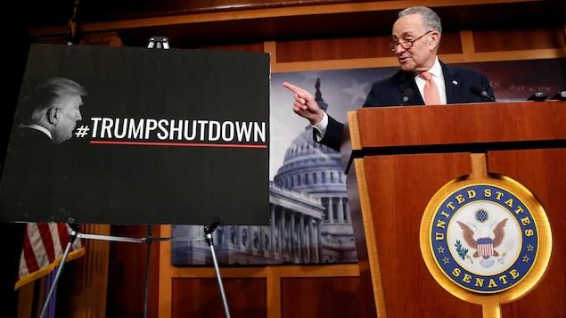 Le sénateur Chuck Schumer.