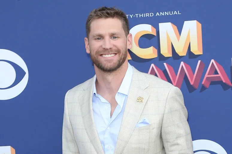 Chase Rice Delivers New Single Eyes On You