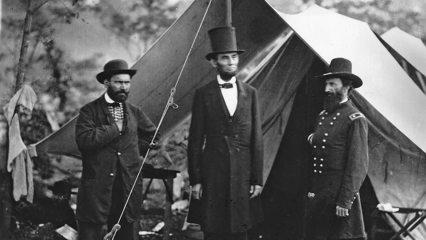 Why Did Abraham Lincoln Wear A Tall Hat