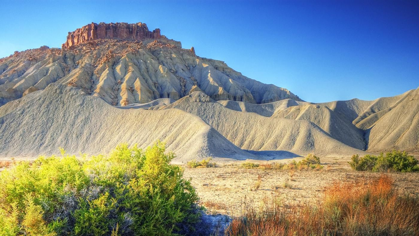 What Are The Main Landforms In The Desert