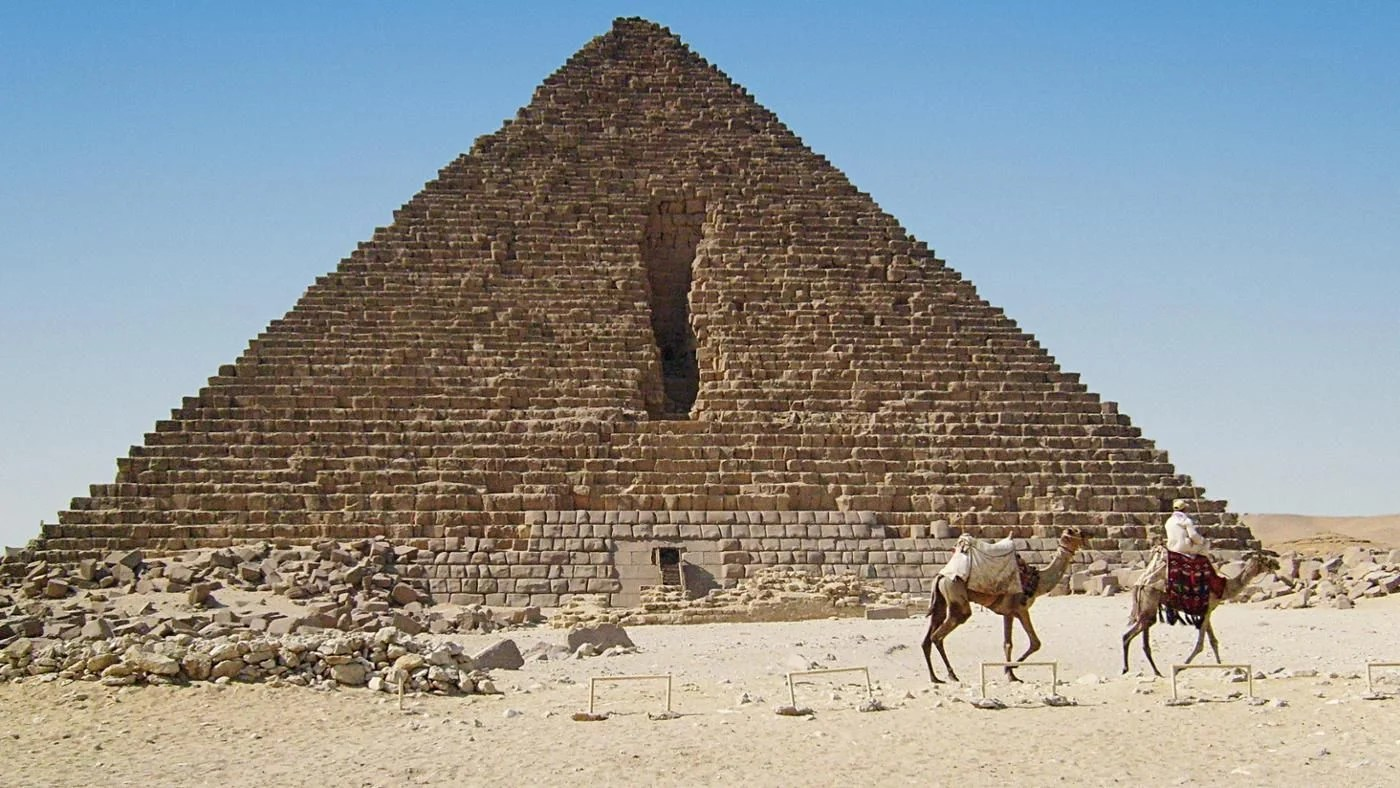 How Many Vertices Does A Pyramid Have