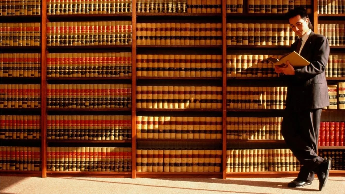 Subjects You Need To Study To Become A Lawyer