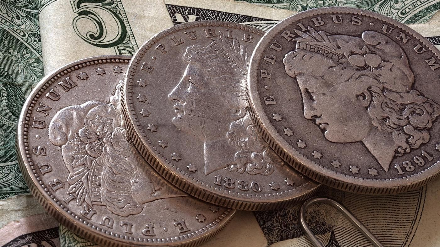 How Do You Chart The Value Of A Sliver Dollar Coin