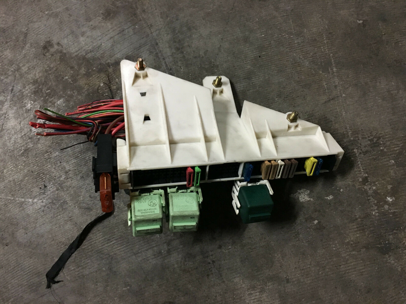 hight resolution of bmw oem e39 e38 rear trunk battery junction terminal wire fuse relay panel box for sale