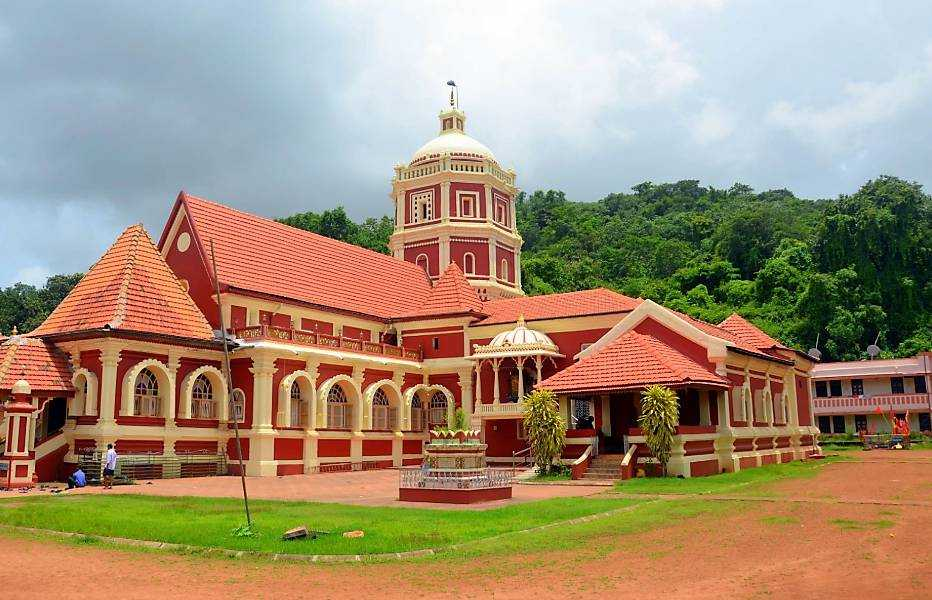 Private Cultural Tour: Ancestral Goa, Shantadurga Temple and Spice Village Including Lunch