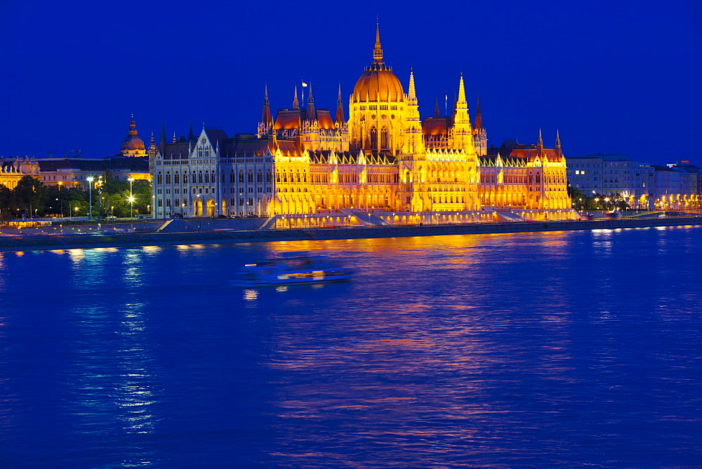 Parliament on River Danube at night