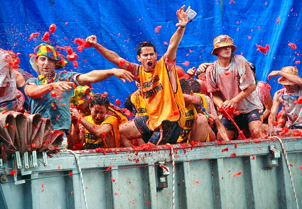 Stock photos of Revellers throwing tomatoes, La Tomatina festival