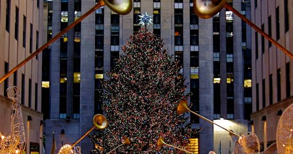 Rockefeller Center Christmas Tree 2018 in New York Dates