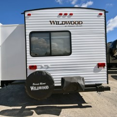Sofa Ball Stopper Lee Industries English Roll Arm 2017 Wildwood 32bhds Travel Trailer By Forest River Vin ...