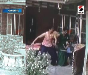 મહિલા અત્યાચારની તમામ હદ પાર કરતો વિડીયો, જુઓ પતિએ વાળ ખેંચની પત્નીને ઢસેડી