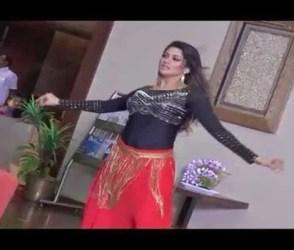 VIDEO: કર્ણાટકના CM બનનાર કુમારસ્વામીની પત્નીએ જાહેરમાં આવી રીતે લગાવ્યા લટકા ઝટકા