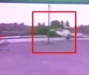 બૂલેટ જેવી સ્પીડે ધસી આવી કાર, ગીર સોમનાથમાં રફતારનો કહેર મચાવતો Video