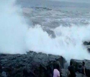 ગોવામાં યુવક સમુદ્રની લહેરોમાં સમાઈ ગયો, જુઓ Video