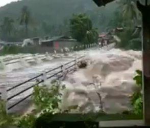 જુઓ Video: કેરળમાં વરસાદનું તાંડવ, નદીઓમાં આવ્યું ઘોડાપૂર