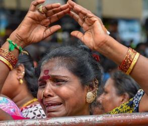 Video : કરુણાનિધિના નિધન પર સમર્થકો ભાંગી પડ્યા…રોકકળ કરી મૂકી